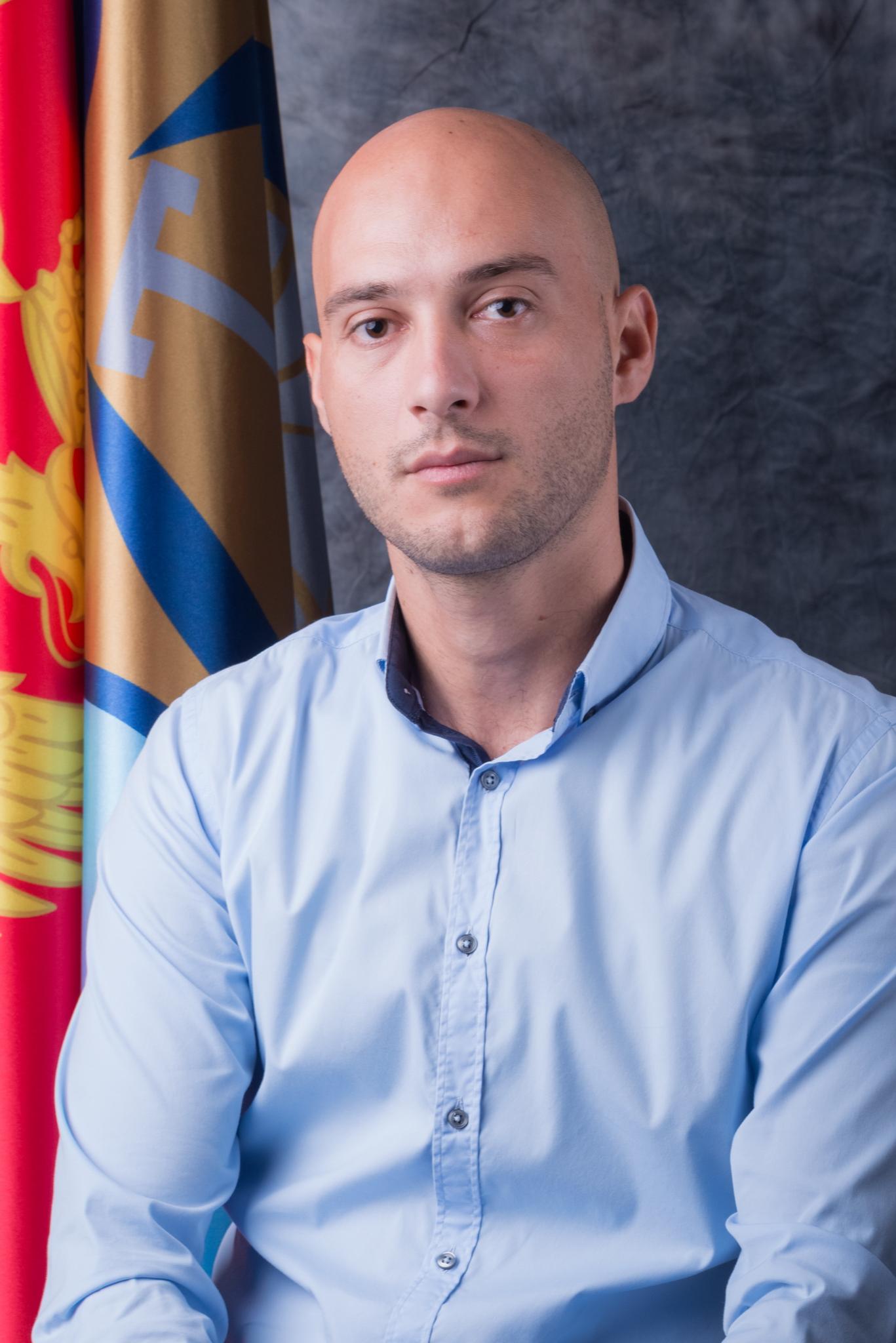 Secretary of the Assembly slika profil